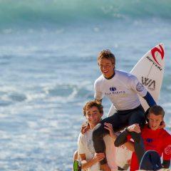 Francisco Almeida sagra-se Campeão Nacional de Surf Sub18, em Ribeira d'ilhas